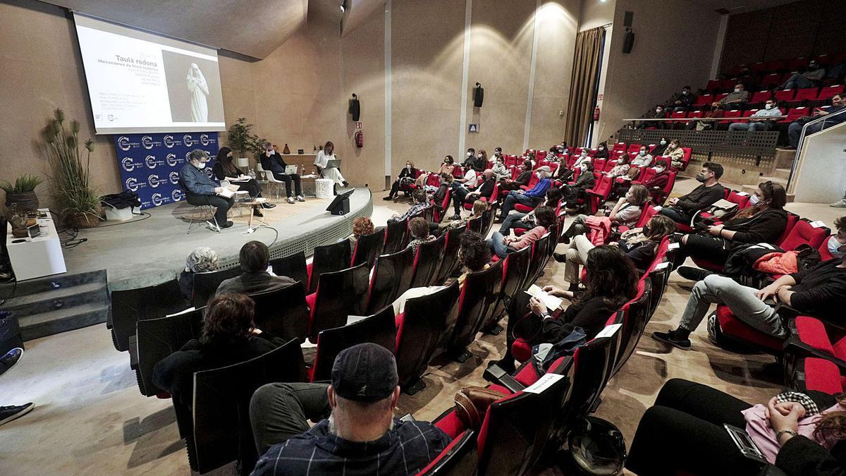 El Club Diario de Mallorca acogió ayer la mesa redonda organizada por el centro de investigación artística Casa Planas.