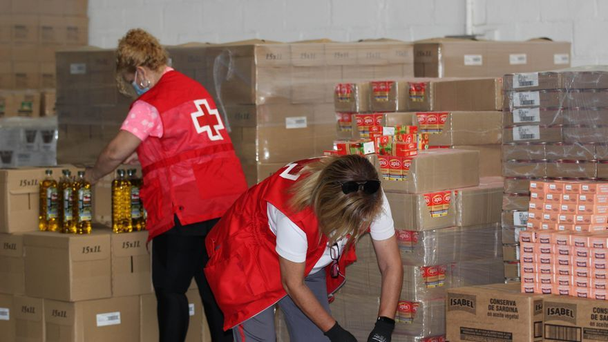 Cruz Roja retoma el reparto de comida a 500 familias de Córdoba