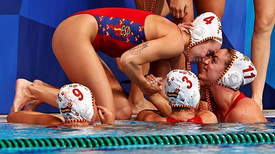 España luchará por la medalla de oro en waterpolo femenino
