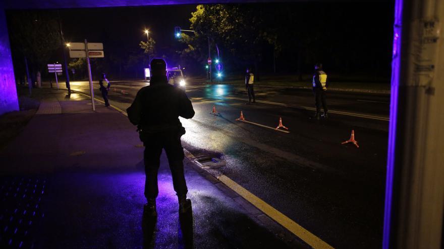 Disuelven una carrera de coches ilegal en Avilés con una veintena de participantes