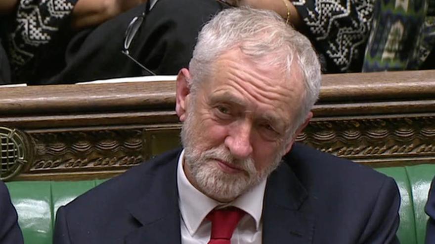 Corbyn rechaza reunirse con May si no descarta un Brexit sin acuerdo