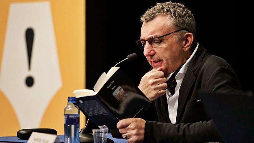"""Manuel Vilas: """"La belleza produce ciudadanos más dotados para la democracia"""""""