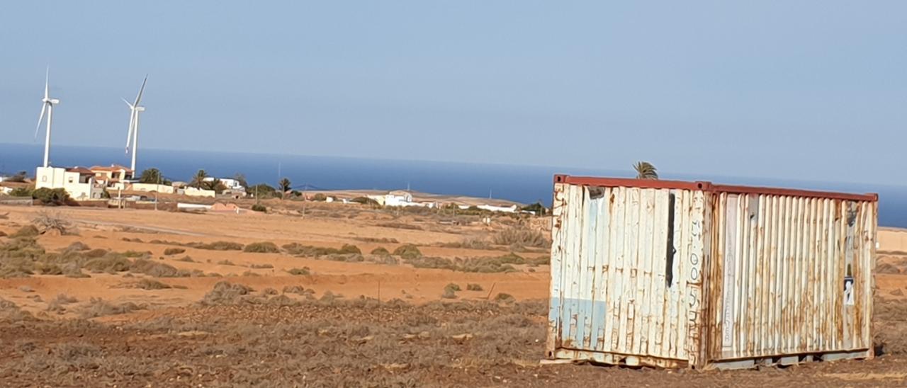 El Cabildo de Fuerteventura quiere frenar el uso de contenedores como viviendas.     LP/DLP