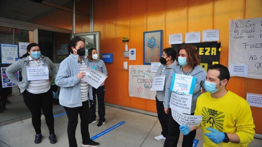 Las trabajadoras de Galiña Azul secundan la huelga por el abuso de temporalidad