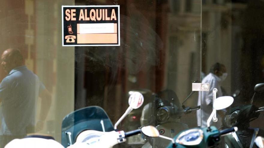 La ciudad de Ibiza tiene 3.254 locales comerciales, 1.377 de ellos vacíos
