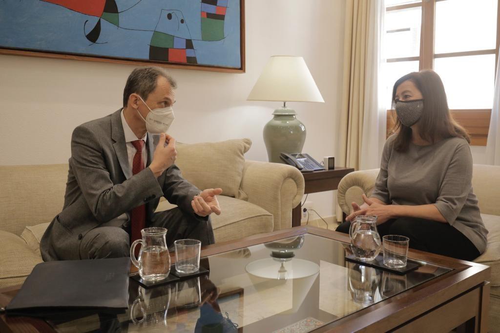 Francina Armengol y Pedro Duque presentan la sede del nuevo Sistema de Observación Costera en Palma