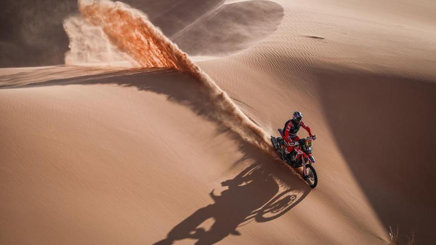Sainz pierde media hora en el Dakar y Barreda cede el liderato