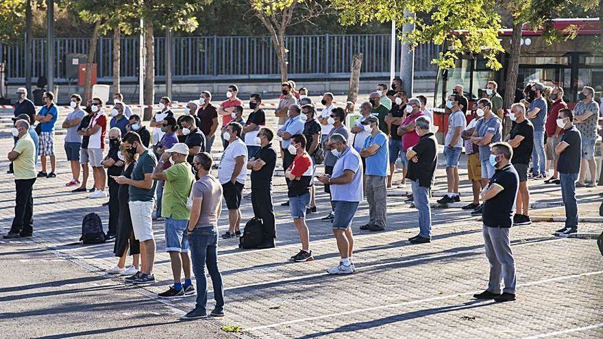 Los trabajadores desconvocan la huelga de la EMT y ratifican el acuerdo con la empresa