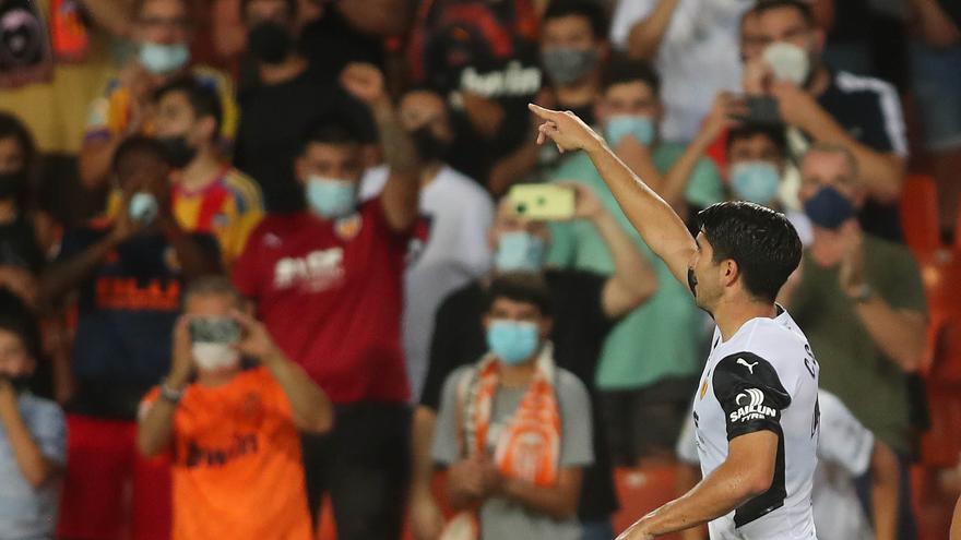 La afición del Valencia se queda con el arranque de Guedes y Soler
