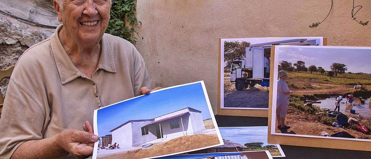Sor Elisa muestra imágenes de la situación en Mozambique.