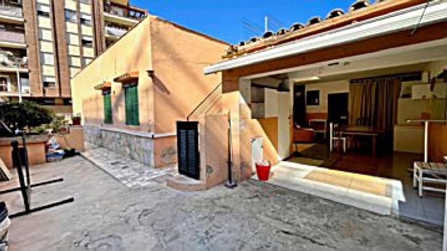 330.000 € Venta de planta baja en Amanecer (Palma de Mallorca) 100 m2, 4 habitaciones, 2 baños, 3.300 €/m2...