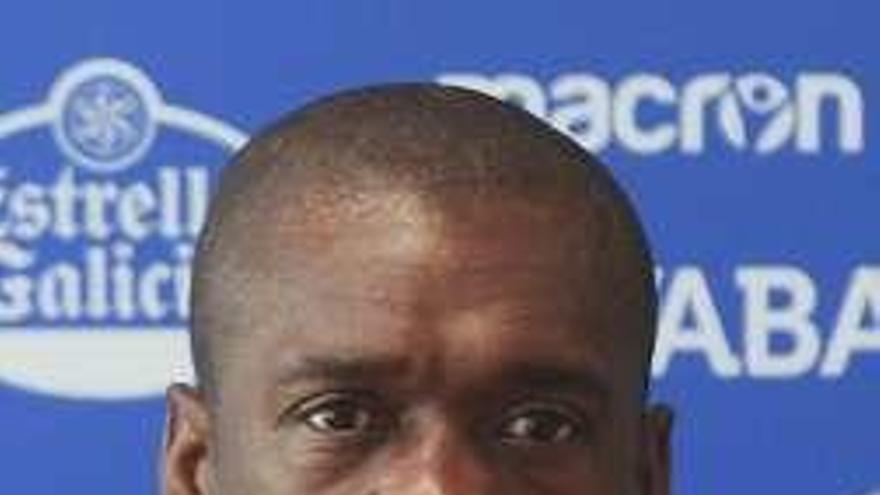 Seedorf se convierte en el nuevo seleccionador de Camerún