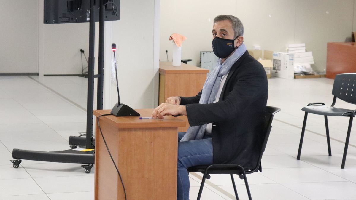 El cirujano castellonense Luis Senís, en un interrogatorio en el que estuvo acusado.