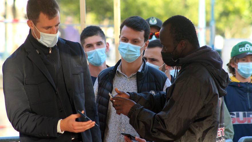 Francia suministrará una tercera dosis a la población de riesgo a partir de septiembre