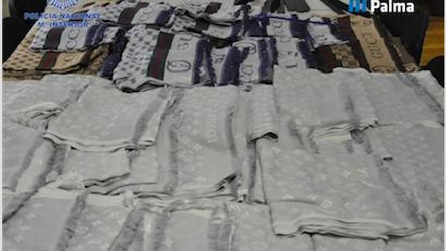 Polizei beschlagnahmt gefälschte Marken-Klamotten auf Mallorca