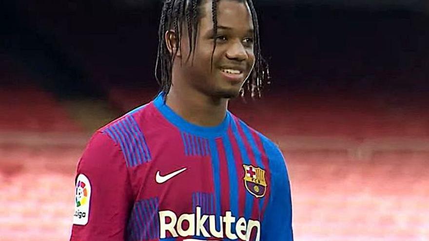 El Barça presenta la samarreta del curs que ve