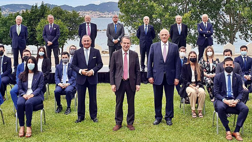 Oliu presenta a los 20 nuevos jóvenes gestores del Sabadell