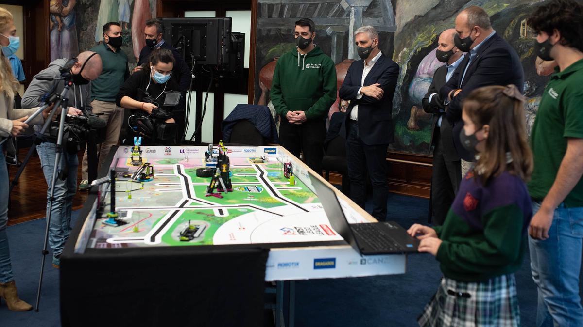 Un momento de la rueda de prensa sobre la First Lego League