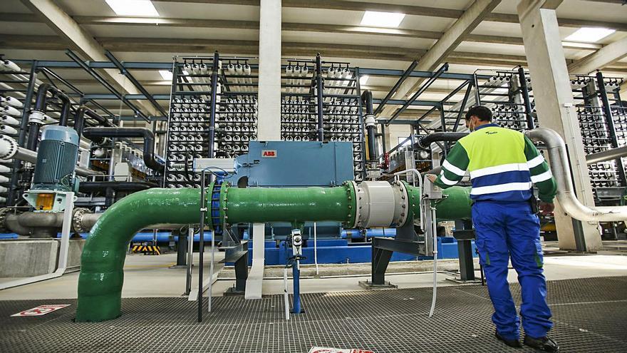 La desaladora de Mutxamel evita extraer ya 50 millones de litros al día de los acuíferos