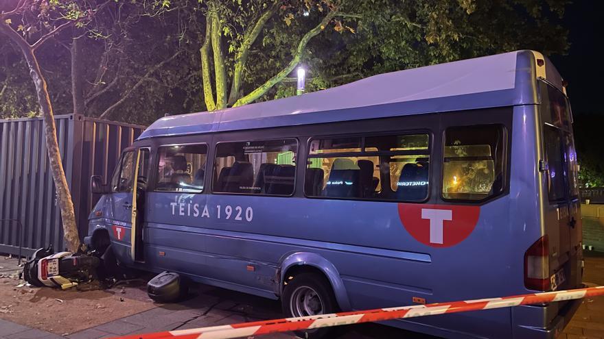 Un home begut roba un minibús de Teisa a Olot i té un accident a Tolosa
