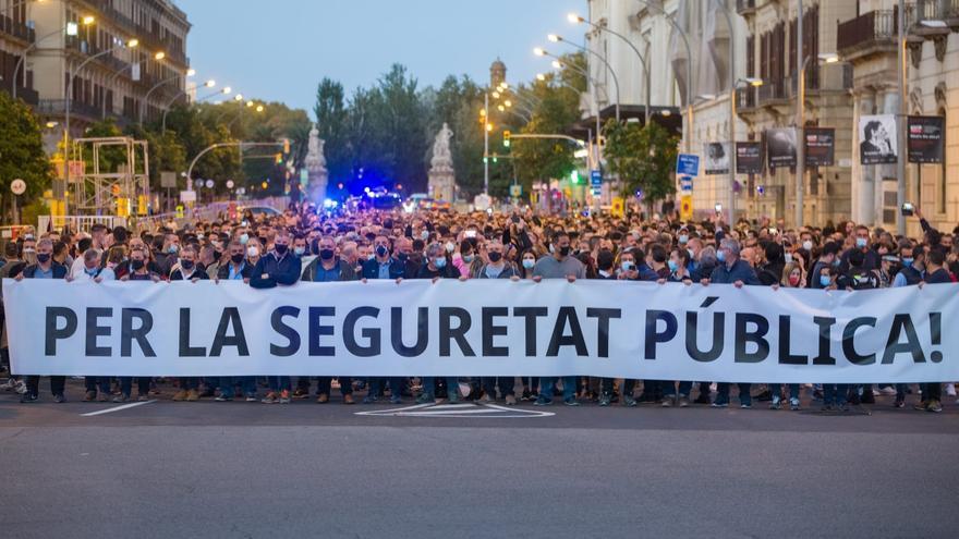 Guardia Urbana y Mossos exigen más respeto a su autoridad en una protesta multitudinaria en Barcelona
