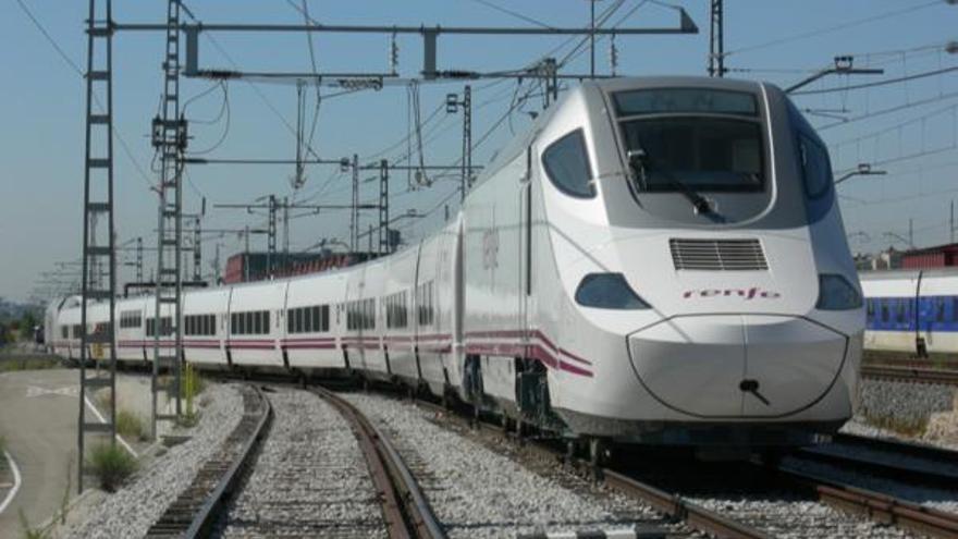 Los viajeros del tren entre Orense y Zamora viajarán en autobús del día 12 al 14