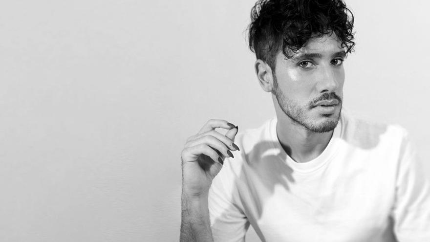 Ángelo Néstore celebra el Orgullo con su debut musical