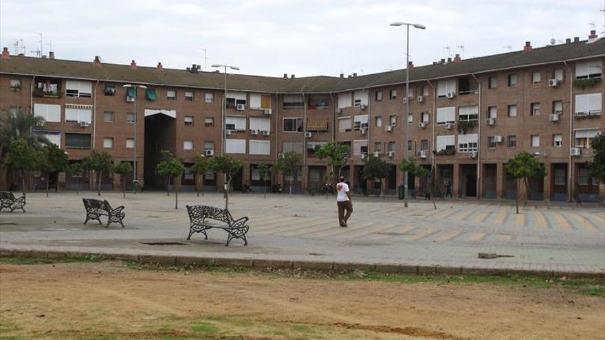 ¿Qué compromiso concreto asume con el barrio de Palmeras como ejemplo de barriada marginal?