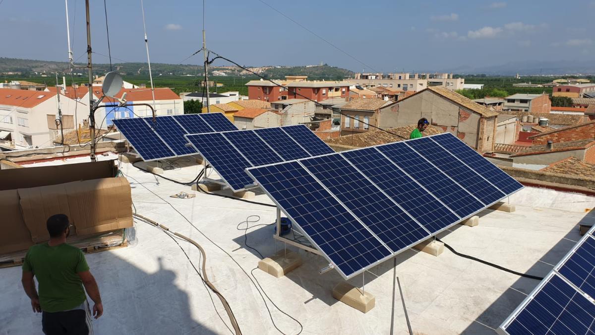 Sagunt impulsa la instalación de placas solares