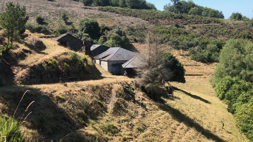 Aldea abandona en el Val do Eo