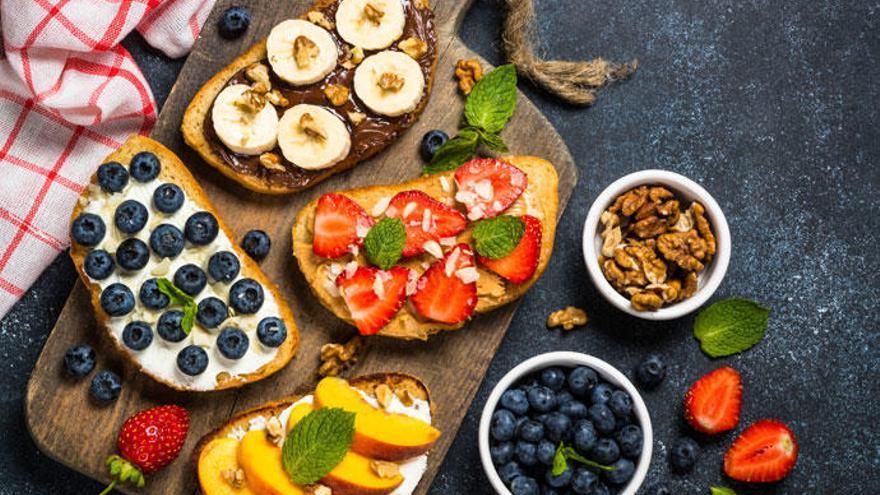 Siete tostadas sanas para unos desayunos deliciosos