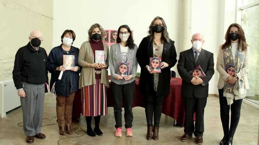 El Ayuntamiento de Lucena publica el libro con las obras ganadoras del concurso Mujerarte