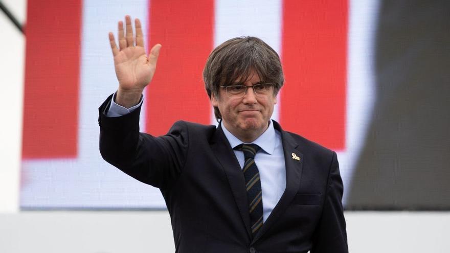 Puigdemont encara espera a la presó de Sassori que el cridi el jutjat i ja ha rebut la visita del seu advocat italià