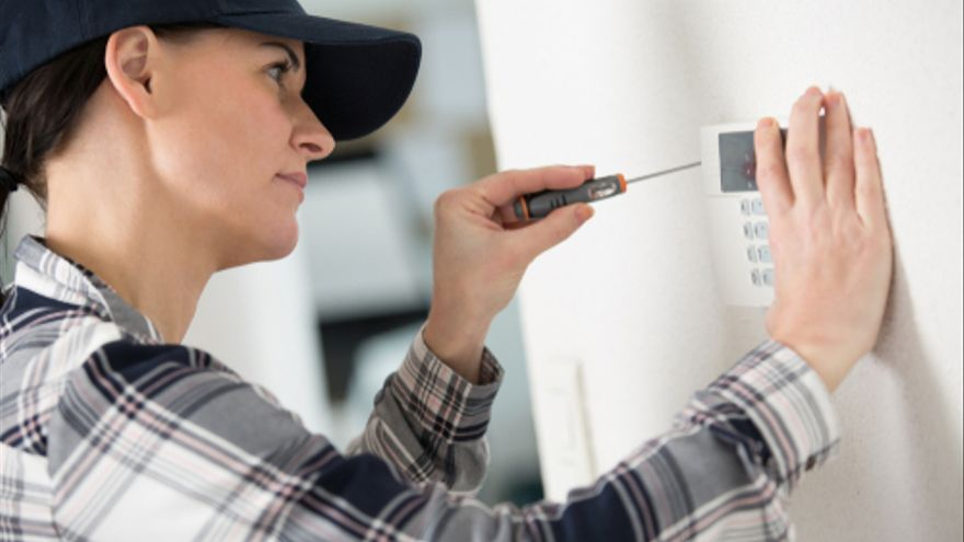Se buscan instaladores de alarmas, comerciales y auxiliares bucodentales en Mallorca