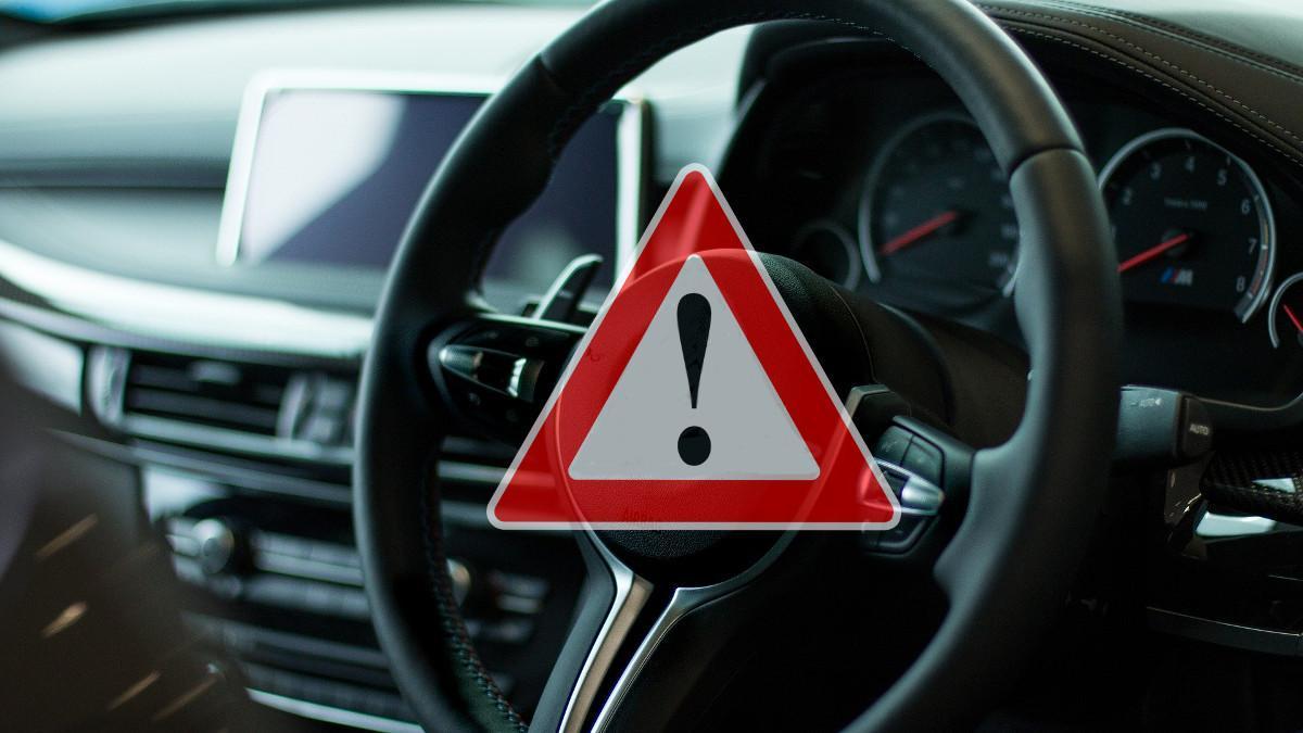 Señal V-27: Así es el 'triángulo virtual' que prepara la DGT para todos los coches