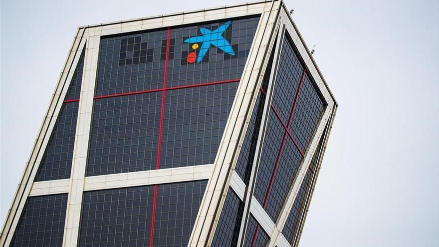 CaixaBank plantea rebajar en 500 sus 8.291 despidos y recolocarlos dentro del grupo