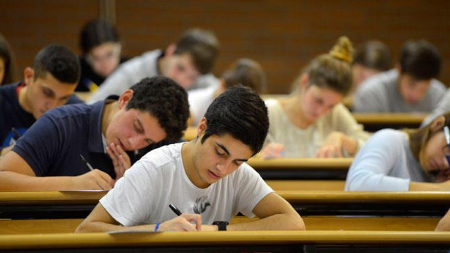 Aprueba selectividad un 67,6% de los alumnos que se presentaron en septiembre