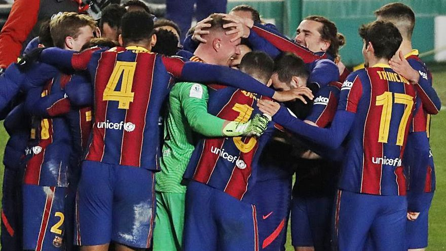 Ter Stegen mete al Barça en la final
