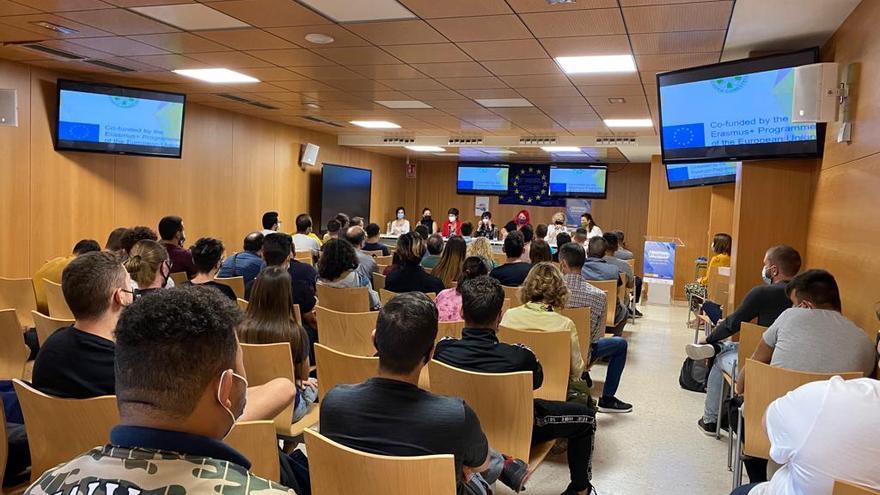 El CIPFP Canastell de San Vicente centra sus Erasmusdays en la incorporación de la mujer a oficios tradicionalmente masculinos