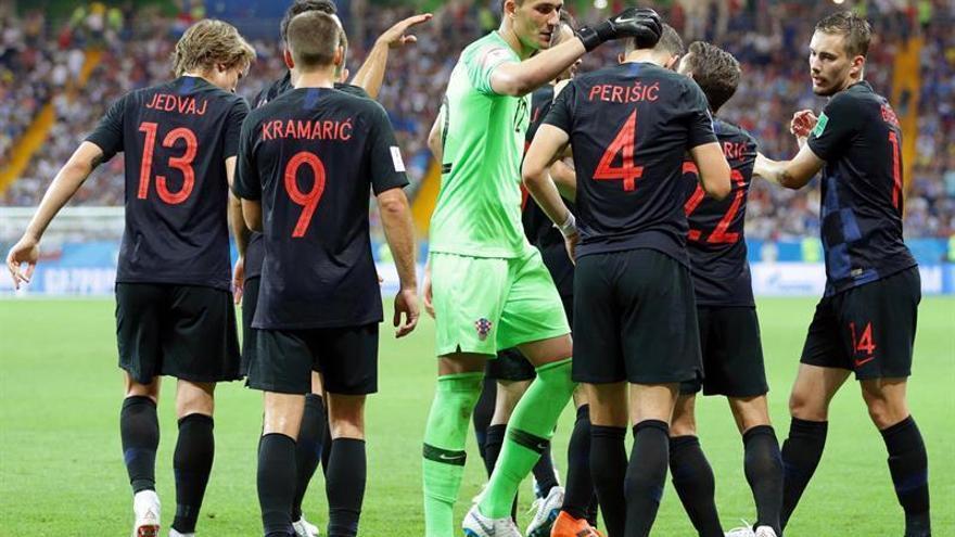 Croacia hace pleno y deja fuera a Islandia