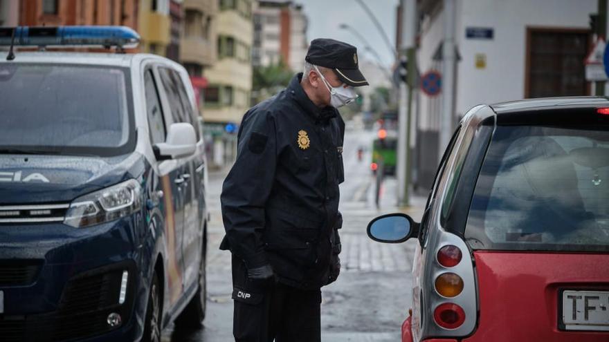 Policía Nacional instruye 448 actas en Tenerife, 265 por el toque de queda