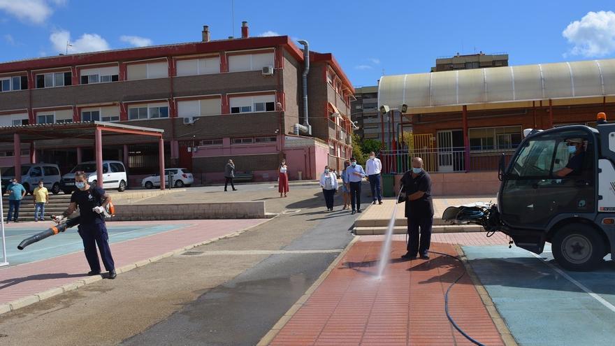 La plantilla de limpieza de colegios y dependencias municipales de Alicante anuncia movilizaciones