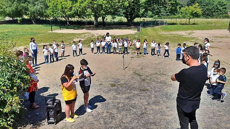 Los alumnos de A Estrada aprenden sobre poesía y pesca