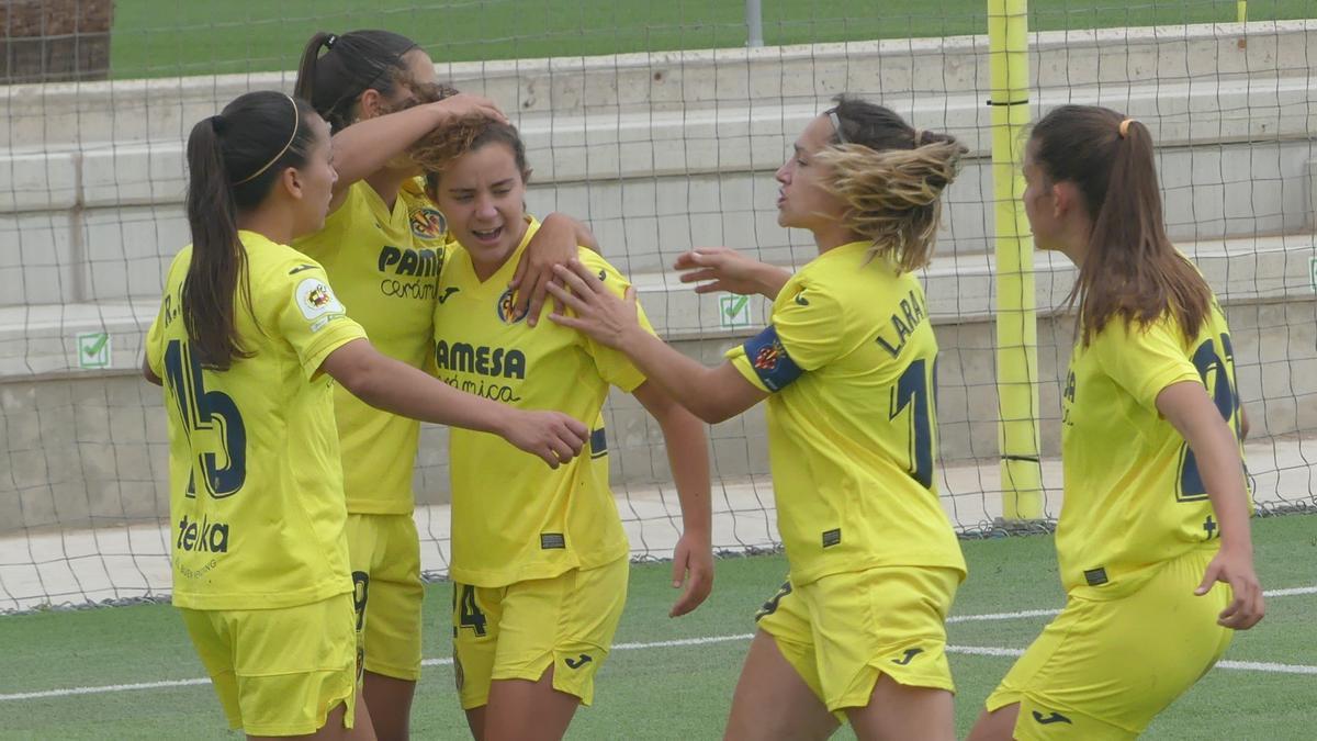 Las jugadoras del Villarreal CF celebran el gol del empate a dos ante el Granada del pasado sábado.