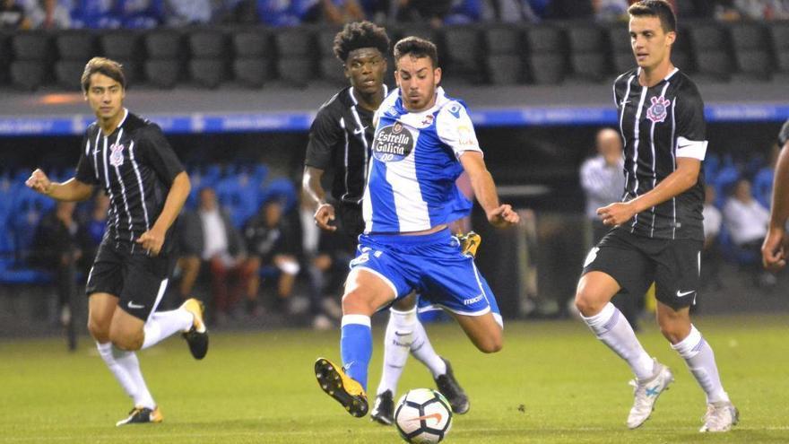 Edu Expósito amplía contrato hasta 2022