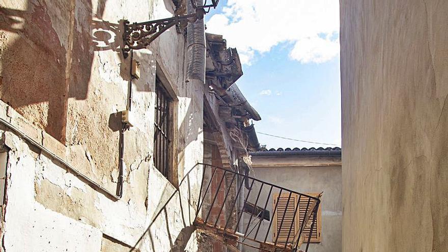 Se hunde una casa en ruinas del casco antiguo de Xàtiva