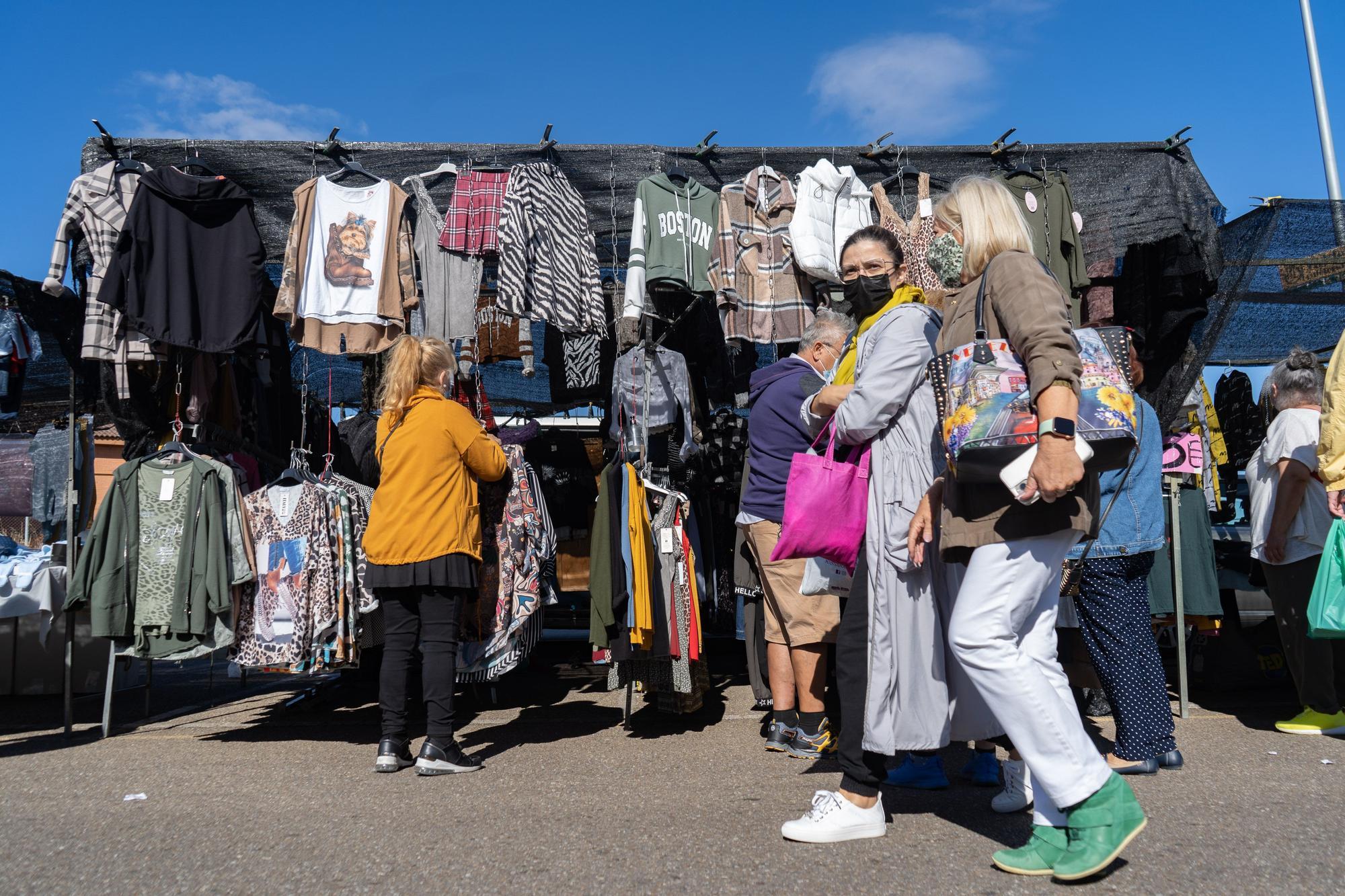 GALERÍA | Los ambulantes de Zamora piden a gritos nueva normalidad en el mercadillo