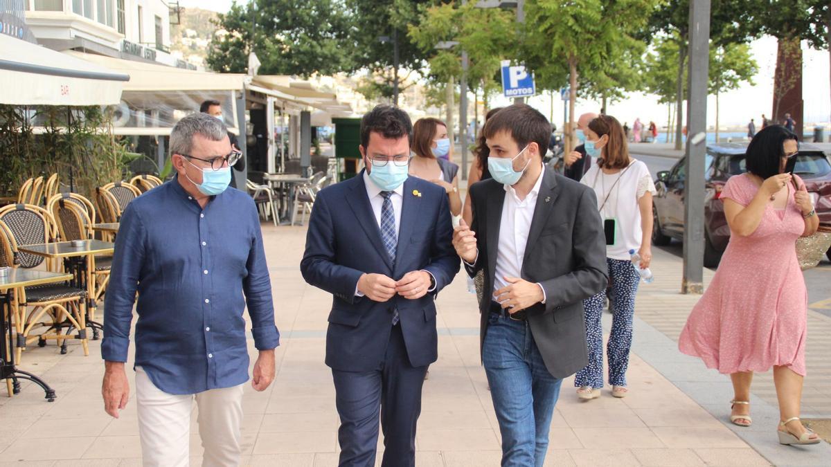 El president Aragonès amb Joan Plana i Miquel Gotanegra