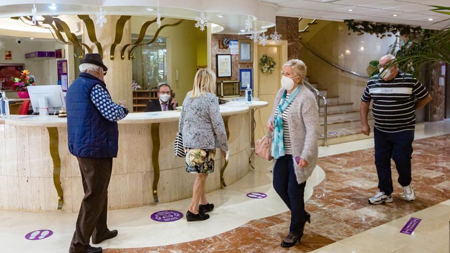 """El Consell deja fuera de las ayudas del """"Plan Resiste"""" al 90% de los hoteles de la Costa Blanca"""