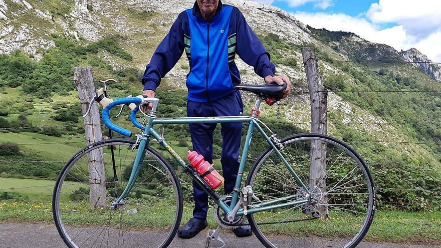 """Así era Fran Granda, el padre del ciclismo astur: """"Chaval, tú vas a ser profesional"""""""